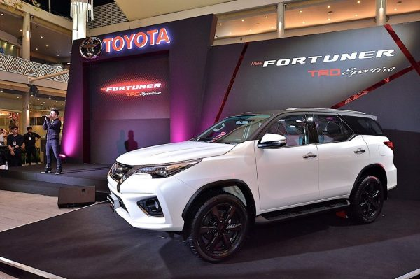 2020 Toyota Fortuner Facelift Unveiled