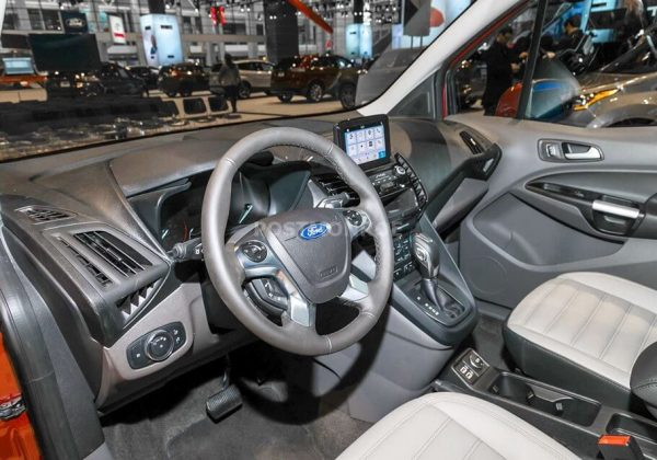 2020 Ford Crown Victoria Interior Colors and Dimensions