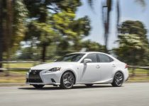2021 Lexus IS 350 come with a more aggressive exterior
