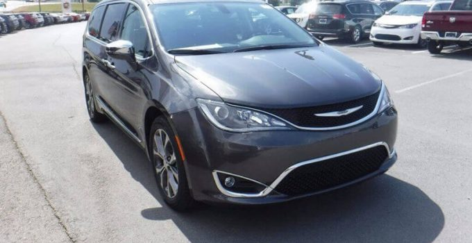 2021 Chrysler Town and Country Build and Price